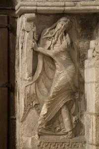 XIIe, portail, 1140, ramenée à l'intérieur de l'église au XVIIe